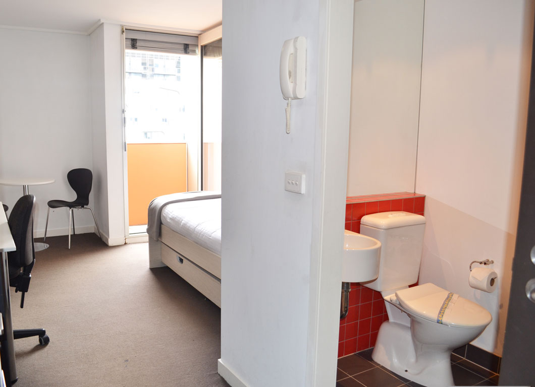 Barry Street Apartment (3)
